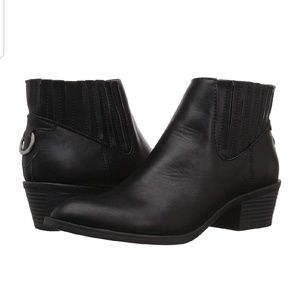 Dolce Vita Knock Booties. Size 7.5. Brown